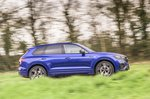 Volkswagen Touareg R 2021 right panning