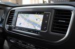 Peugeot e-Expert 2021 interior infotainment