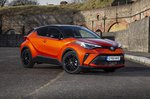 Toyota C-HR 2021 front left static