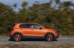 Volkswagen T-Cross 2021 right tracking