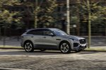Jaguar F-Pace 2021 right tracking