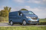 Renault Trafic 2021 front right cornering
