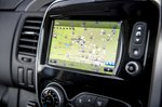 Renault Trafic 2021 interior infotainment