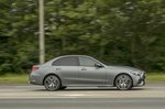 Mercedes C-Class 2021 right tracking