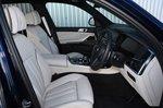 BMW X7 2021 interior front seats