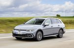 Volkswagen Golf Alltrack 2021 front left tracking