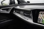 Audi Q4 e-tron 2021 interior front detail