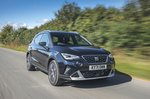 Seat Arona 2021 front right tracking