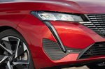 Peugeot 308 SW 2021 headlight detail