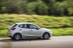 Mazda 2 2022 right tracking