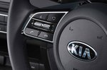 Kia Xceed 2019 RHD steering wheel detail