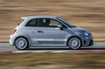 Abarth 595 2019 fast side panning shot