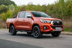Toyota Hilux 2018 front right tracking shot