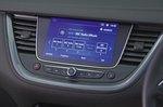 Vauxhall Grandland X 2019 RHD infotainment