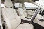 Volvo XC60 2020 front seats