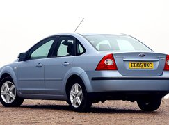 Used Ford Focus saloon 2004-2011