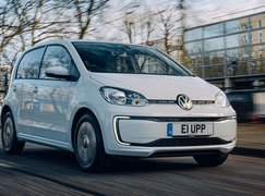 Volkswagen e-Up 2020 RHD front right tracking