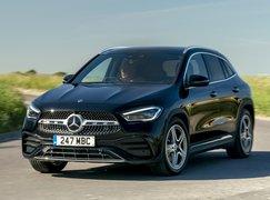 2021 Mercedes GLA front cornering