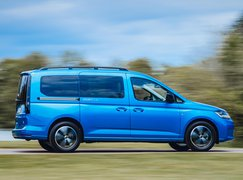 Volkswagen Caddy California 2021 right tracking
