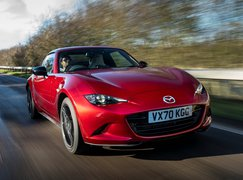 Mazda MX-5 RF 2021 front right tracking