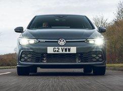 Volkswagen Golf GTE 2021 front tracking