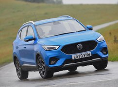 2021 MG ZS front cornering