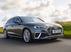 Audi A4 Avant 2021 front right tracking