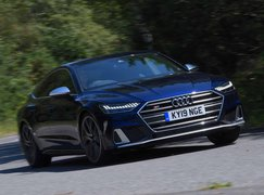 Audi S7 2019  front right tracking shot