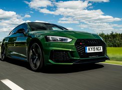 Audi RS5 Sportback 2019 front low camera tracking shot