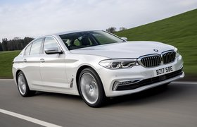 BMW 5 Series 2017 front right tracking shot