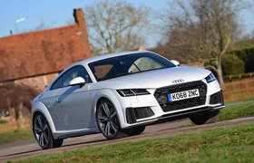 Audi TT 2019 right front tracking shot