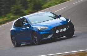 Ford Focus ST 2019 front cornering shot