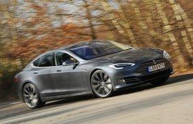 Tesla Model S front action - 69-plate car