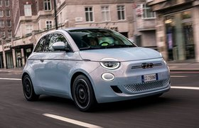 Fiat 500 electric front - Italian plates