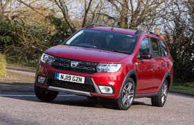 Dacia Logan MCV Estate 2019 front left cornering shot