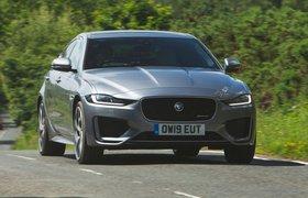 Jaguar XE 2019 front head-on shot