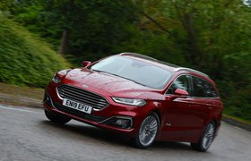 Ford Mondeo Estate 2019 RHD front cornering shot
