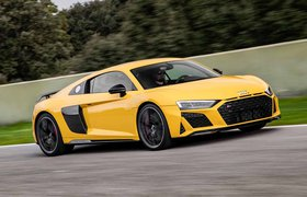 Audi R8 front three-quarter driving