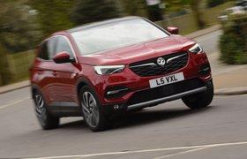 Vauxhall Grandland X 2019 left cornering shot