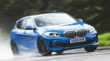 BMW 1 Series 118i front