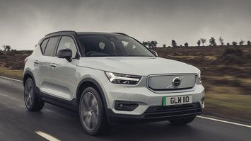 Volvo XC40 Recharge Pure Electric 2021 front right tracking