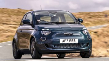 Fiat 500 electric 2021 front
