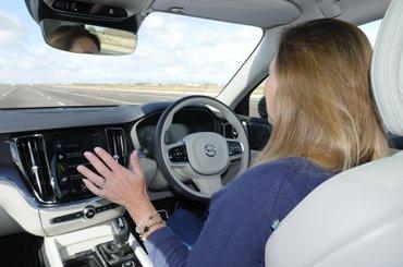 Volvo V60 AEB crash test
