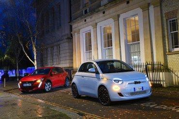 Fiat 500 vs Peugeot e-208