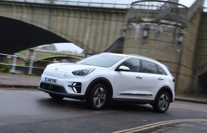 Kia e-Niro 2019 left front static shot