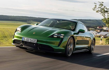 Porsche Taycan 2019 LHD press front cornering