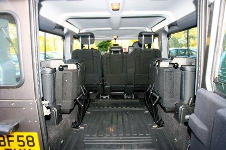 Land Rover Defender (90 - 16)