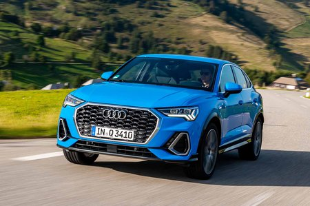 Q3 Sportback 2019 LHD front tracking