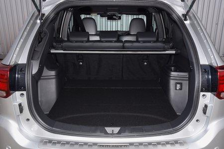 2018 Mitsubishi Outlander PHEV boot
