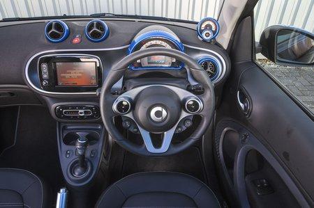 Smart ForTwo EQ Cabrio dash